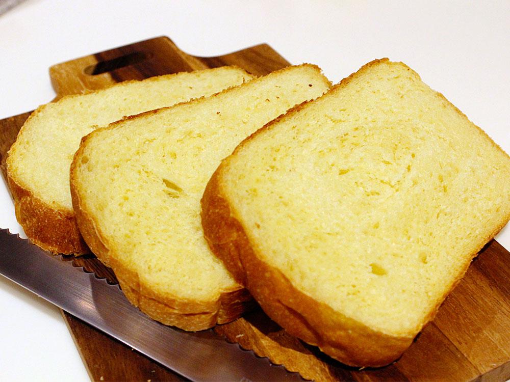 ホームベーカリーで作るカリーキューブ食パン